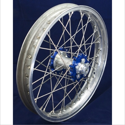 "19"" Rear STD Wheel with Silver Rim & Blue Hub"